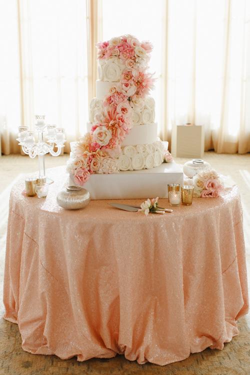 26Timeless-Blush-Gold-Wedding-Resort-at-Pelican-Hill-Marisa-Holmes-cake